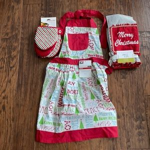 Christmas apron oven mitts kitchen towel new